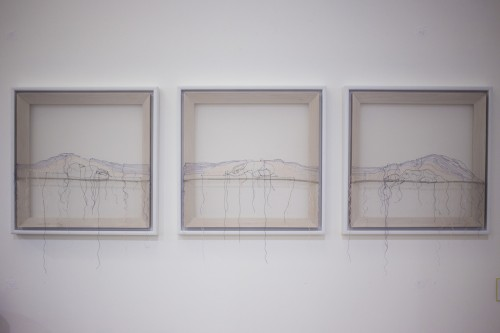 Lisa Reiter, Ohne Titel, 40x40 cm, Seidengaren auf Feinstrunfhose, Holzrahmen